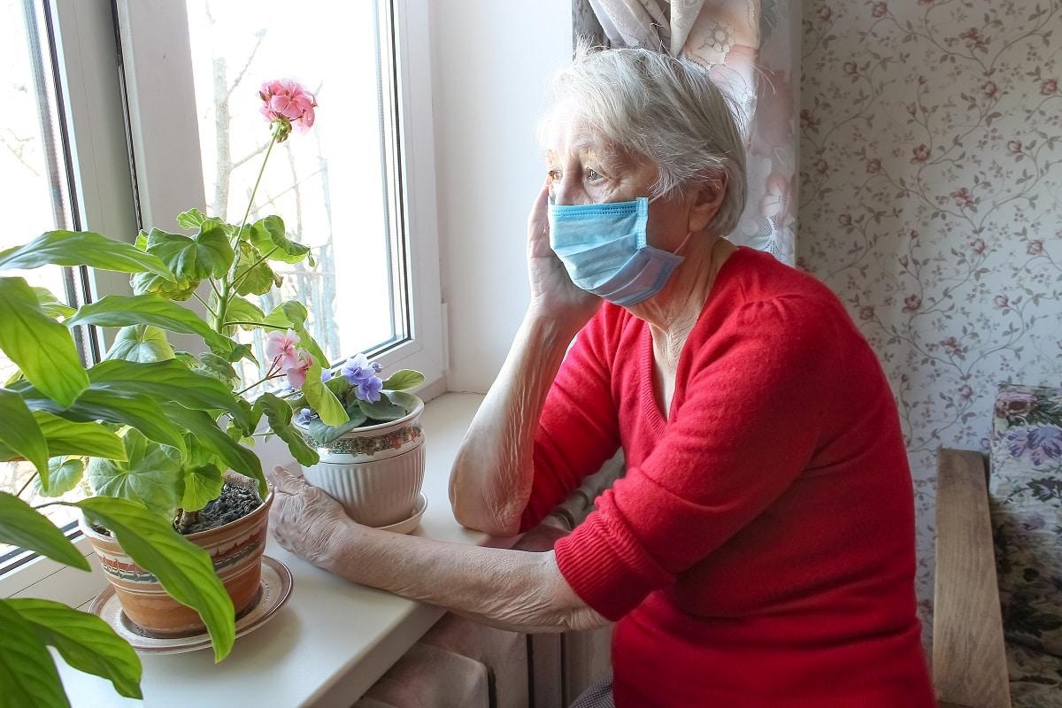 La pandemia de vodi-19 ha afectado la salud emocional de los adultos mayores. Foto: Shutterstock