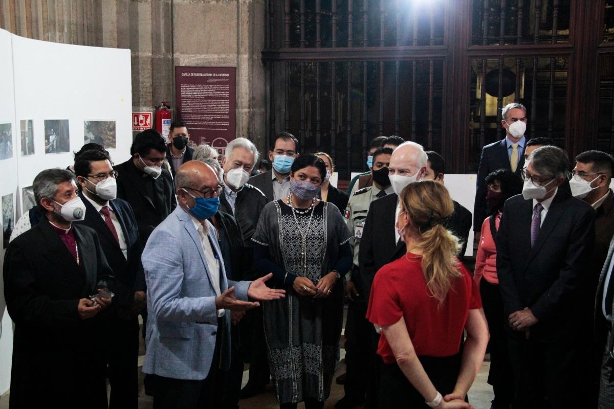 Inauguración de la exposición sobre la restauración de Catedral. Foto: Alejandro García/Desde la fe.-