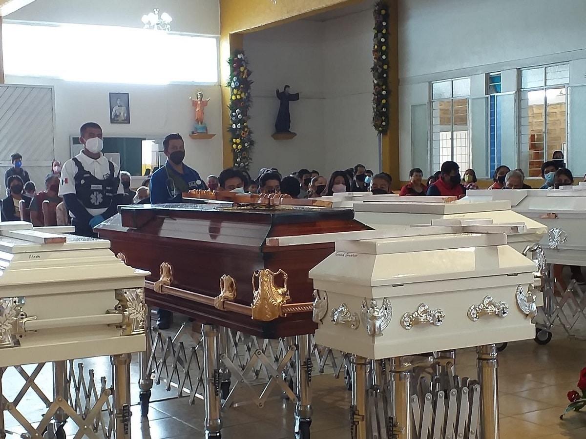 Misa de cuerpo presente de la familia Moreno Caballero. Foto: @AngelHzOficial