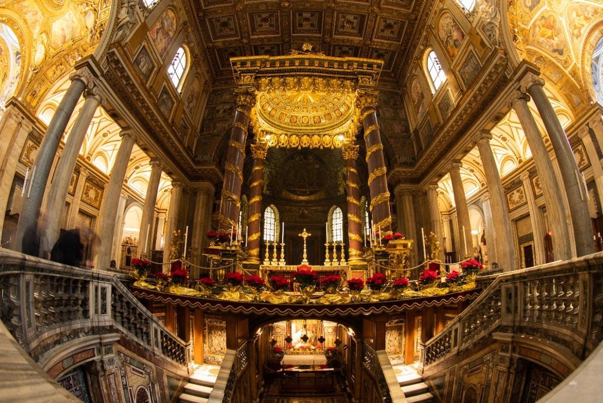 Interior de la Basílica de Santa María la Mayor. Foto: María Langarica