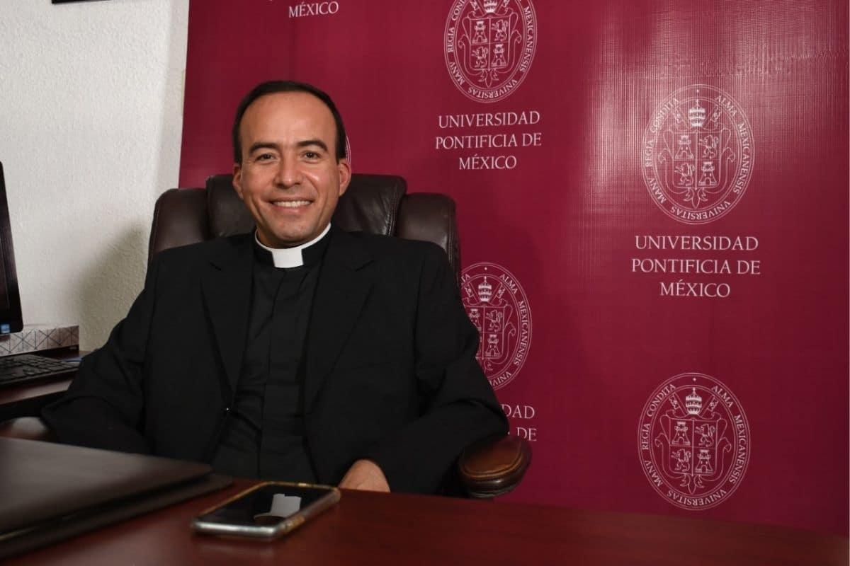 Padre Alberto Anguiano, rector de la Universidad Pontificia de México. Foto: UPM