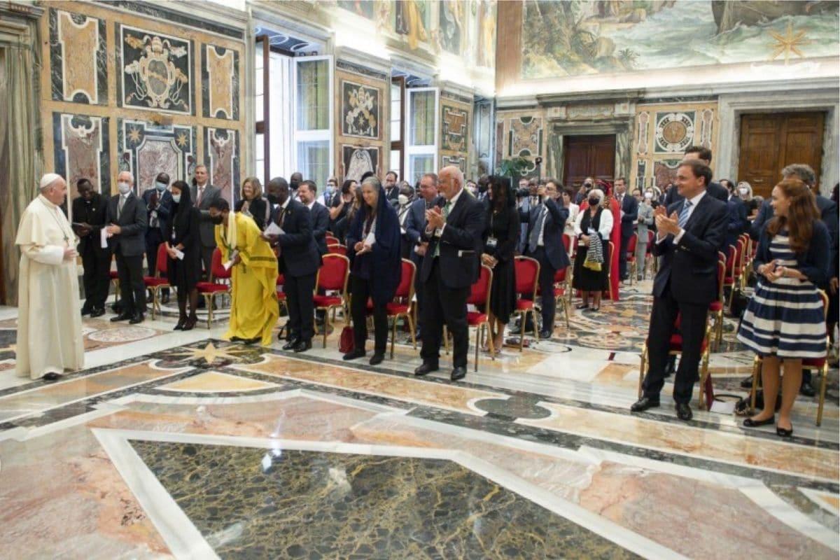 El Papa Francisco en reunión con la Red Internacional de Legisladores Católicos. Foto: Vatican Media.
