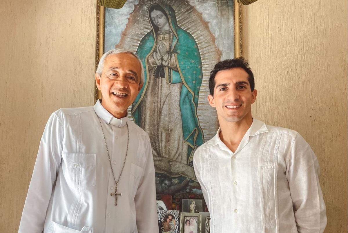 Mons. Patrón Wong recién visitó Mérida Yucatán. Foto: Rommel Pacheco/Twitter.