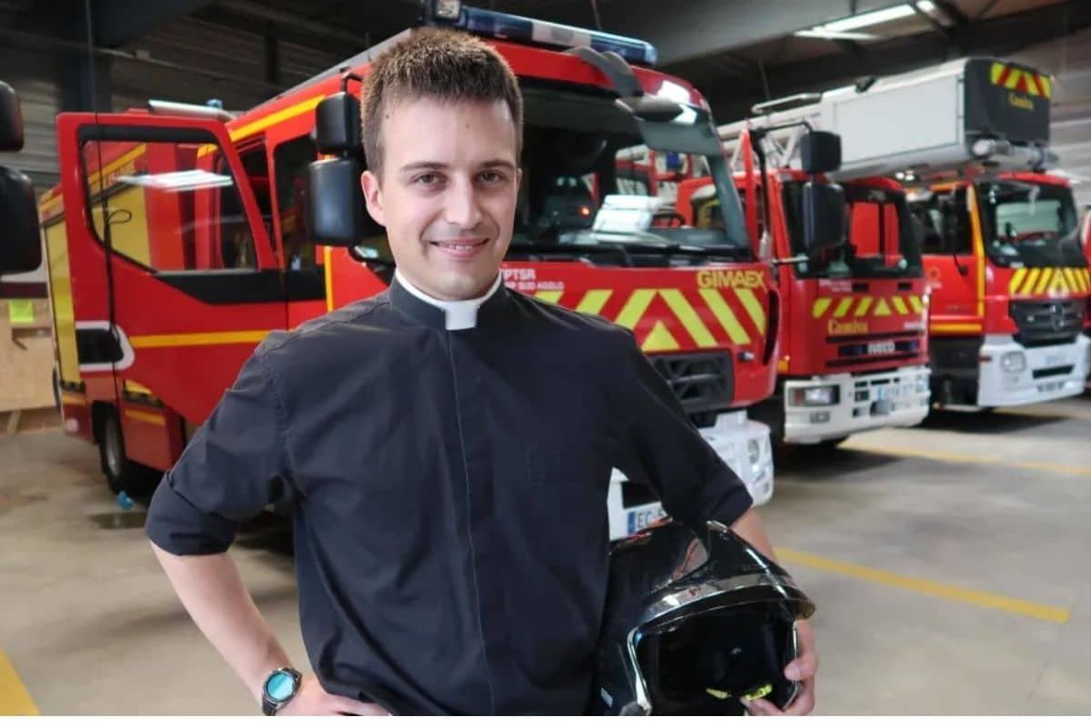Sacerdote y bombero voluntario: Las dos vocaciones del padre Pierre