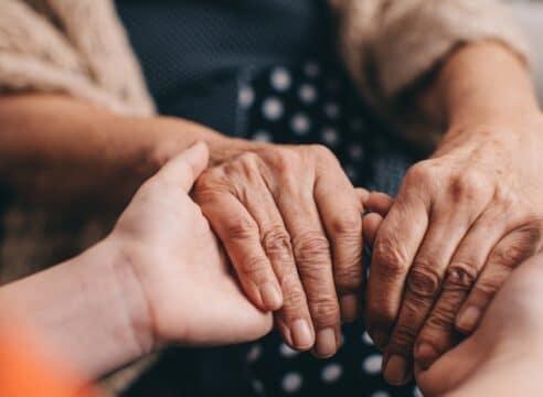 Alzheimer: Una guía de cuidados para familiares de pacientes