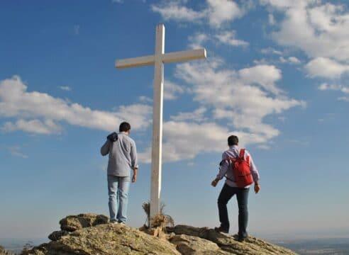 ¿Qué es un director espiritual y cómo conseguir uno?