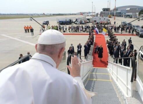 """El Papa se despide de Eslovaquia: """"Los llevo en mi corazón"""""""