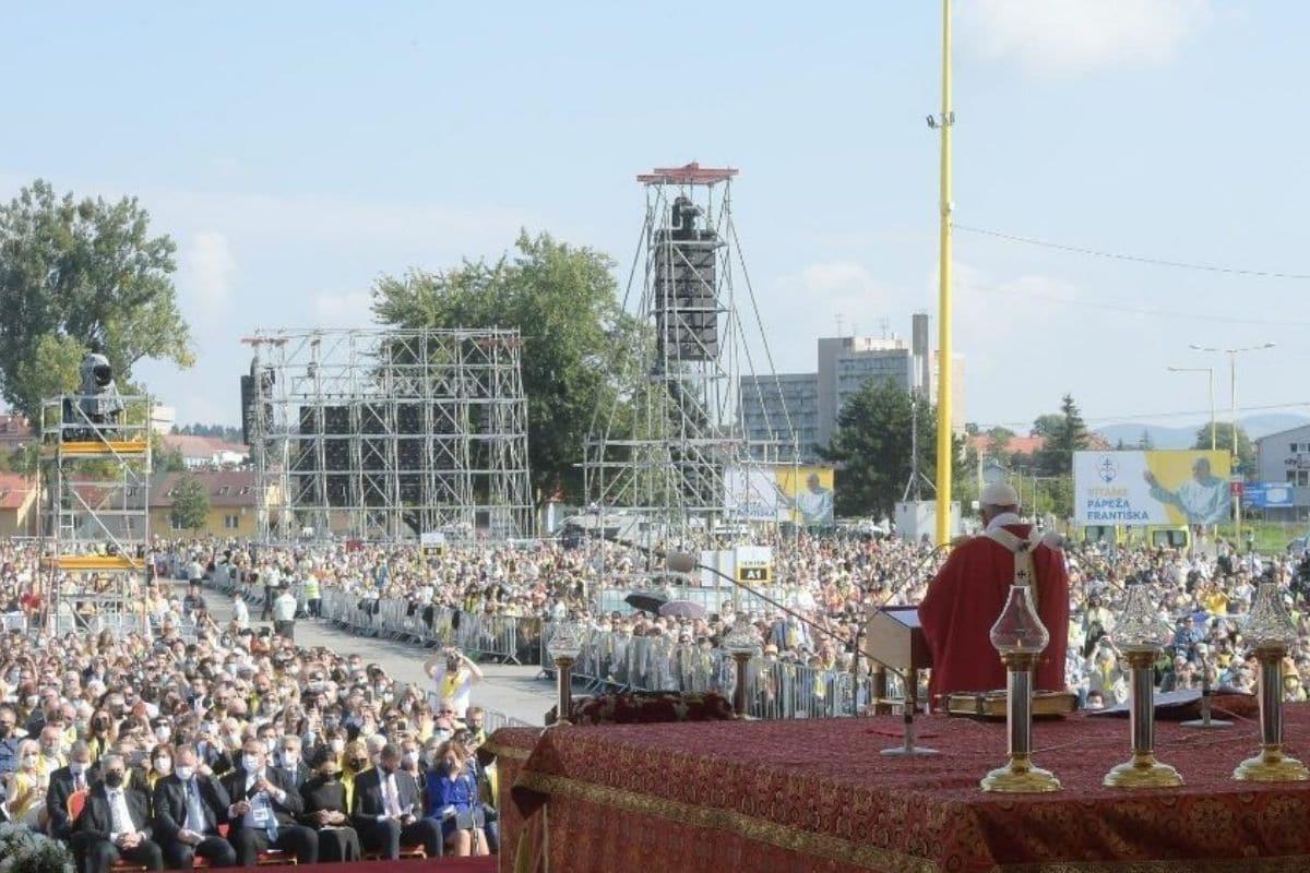 El Papa Francisco celebró la Misa en el Mestská športová hala de Prešov. Foto: Vatican Media.
