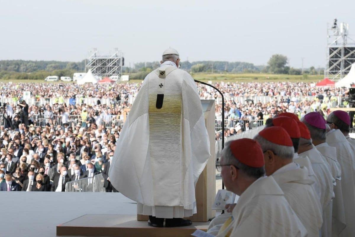 Misa del Papa Francisco en el Santuario Nacional de Šaštín, Eslovaquia. Foto: Vatican Media.