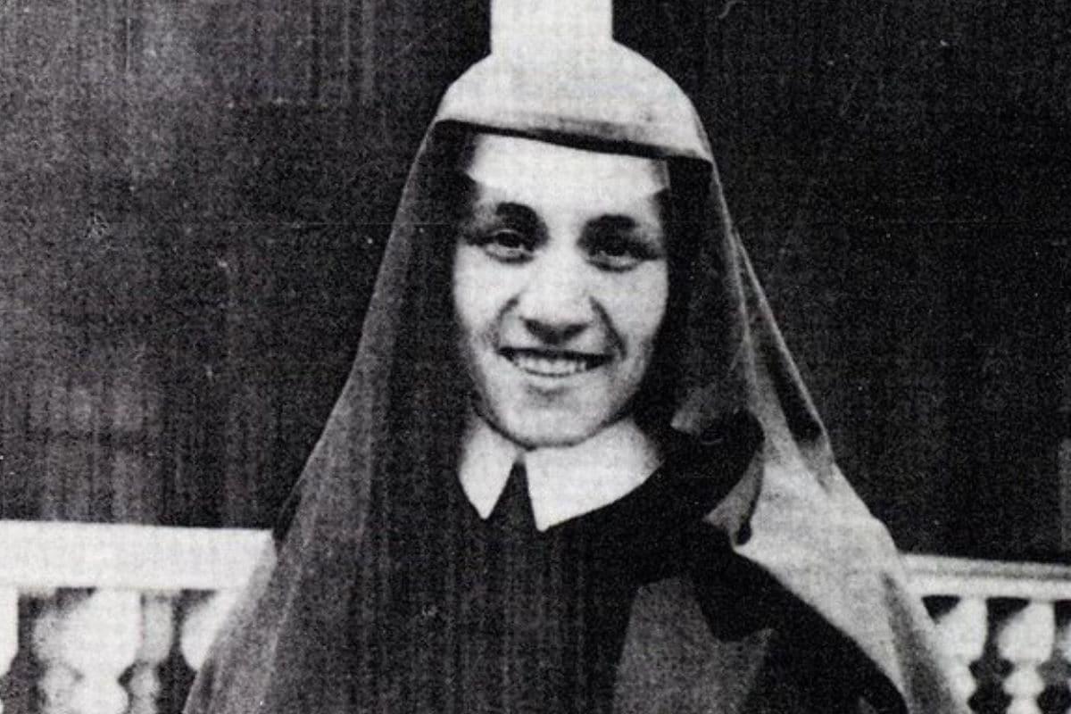 Tras vivir en Dublín (Irlanda), la madre Teresa de Calcuta quiso trasladarse a la India para servir a los pobres.