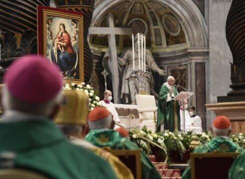 Los 3 verbos del Sínodo: El Papa pide encontrar, escuchar y discernir