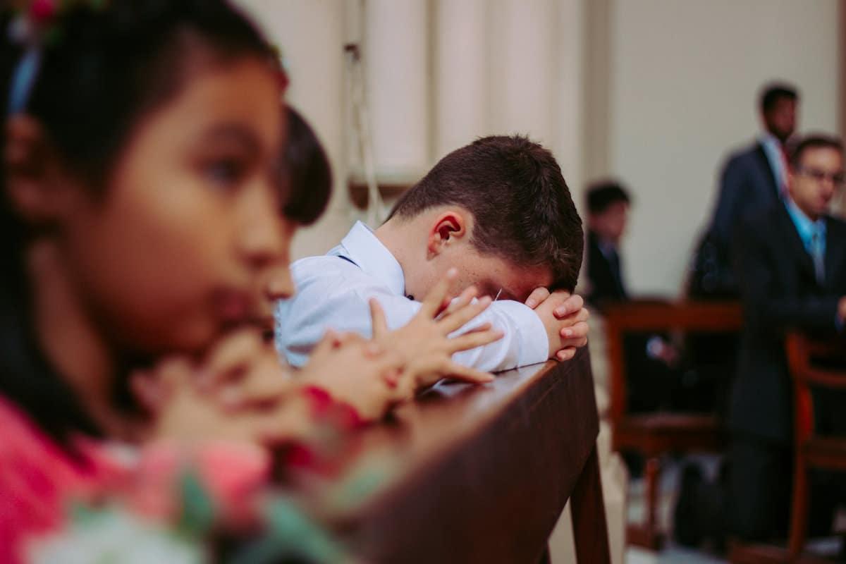 La iniciativa '1 millón de niños rezando el Rosario' es organizada por fundación Ayuda a la Iglesia Necesitada.